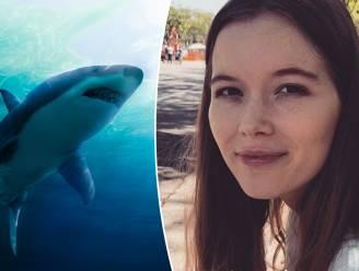 Vrouw (21) sterft na aanval door 3 haaien op Bahama's: familie zag dieren naderen en probeerde nog te waarschuwen, maar ze hoorde het niet