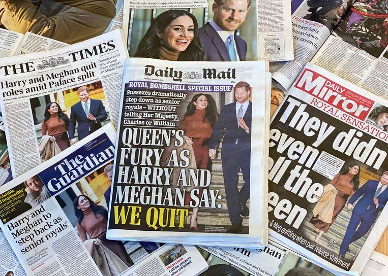 Kranten na de aankondiging van Harry en Meghan. Beeld AFP