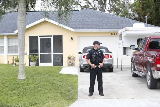 La police et le FBI au domicile familial de Brian Laundrie