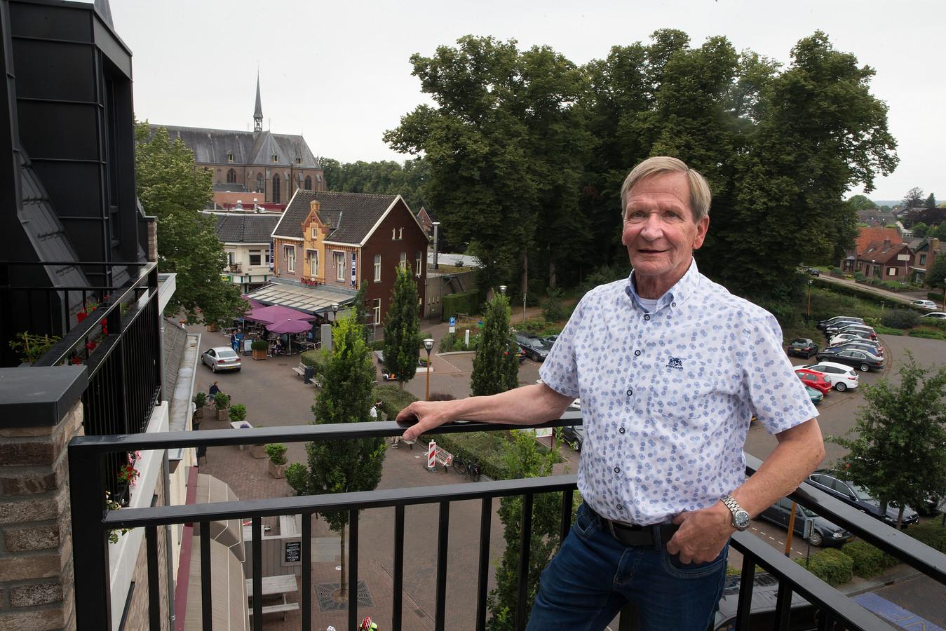Ben Schuurman in zijn woonplaats 's-Heerenberg. Eén jaar is hij weggeweest uit zijn geboorteplaats.