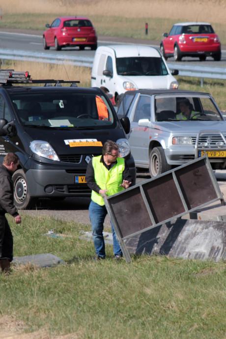 File vanwege gekantelde aanhanger op A58 richting Bergen op Zoom