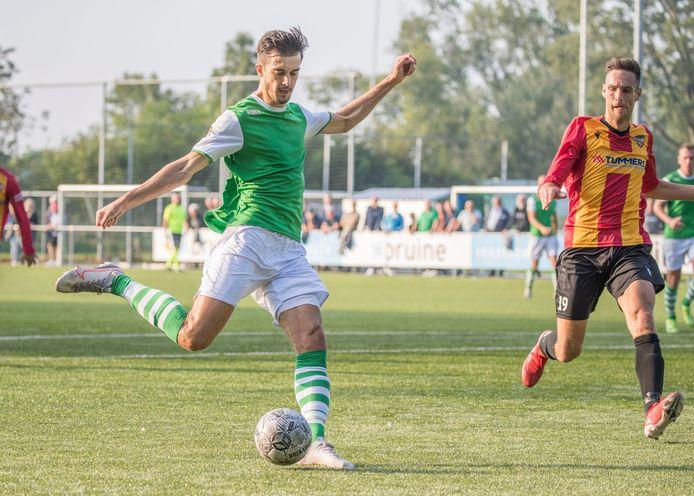 Thomas de Rijke scoorde twee keer voor Kloetinge tegen Oostkapelle/Domburg.
