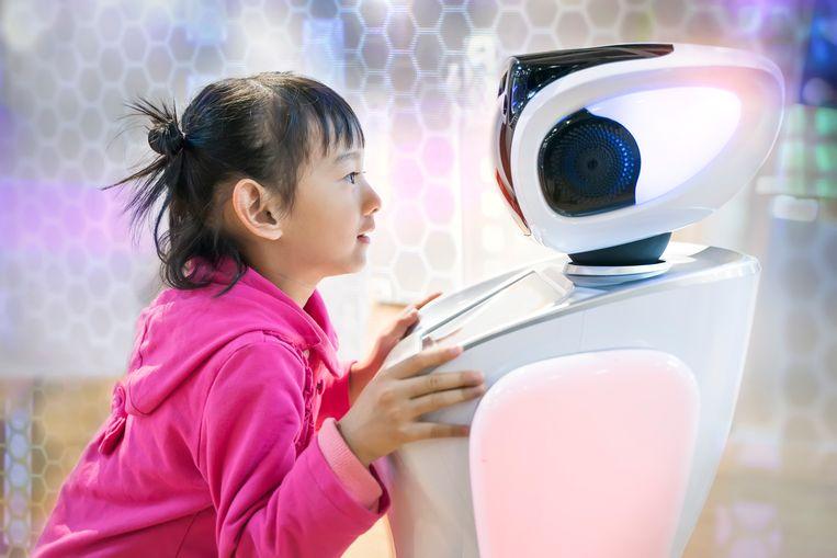 Klara is een humanoïde robot die wordt uitgekozen door het meisje Jossie. Beeld Shutterstock