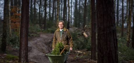Landgoedeigenaar Herman (67) uit Lochem protesteert tegen huidige boerenlandschap: 'Het is een kale bende'
