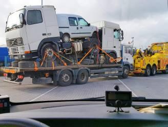 Spelletje Tetris met gevaarlijk transport: vrachtwagen uit verkeer gehaald na tal van overtredingen
