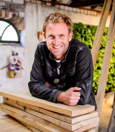 Tuinman Tom komt met eigen boek over tuinieren