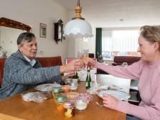 Na 16 jaar verrast Ramona haar oude buurman Loek: 'Ik moet er gewoon van janken'