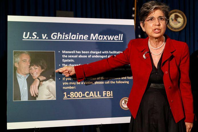 Aanklager Audrey Strauss, vorig jaar,  tijdens een persconferentie over de aanklachten tegen Ghislaine Maxwell.
