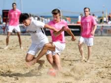 International Jenner Koek: 'Beachsoccer is zo'n mooie sport in de zomer'