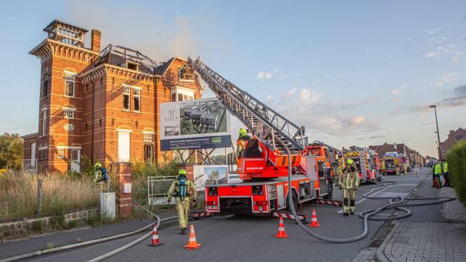 """'Kwajongens' krijgen werkstraffen van 150 uur voor brandstichting in leegstaande villa: """"Maar ze zullen de rest van hun leven de schade moeten vergoeden"""""""