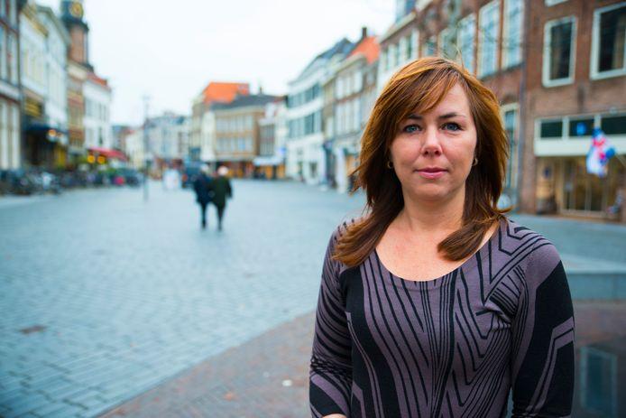 Ingrid Timmer als fractievoorzitter van D66 Zutphen. Timmer verruilt deze functie voor het wethouderschap in de gemeente Brummen.