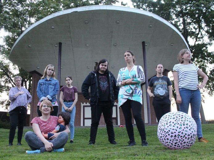Toneelvereniging Plankenkoorts speelt de vrolijke voorstelling Camping Beau Sejour.