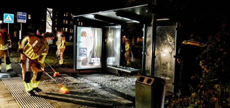 Bushokje in Bergen op Zoom vernield door vuurwerk