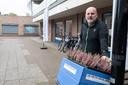 Roelof Rispens is eigenaar van De Fiets Makelaar. Hij zit nu zo'n anderhalf jaar op de Polsbroekpassage en baalt van de achteruitgang van het winkelgebied.