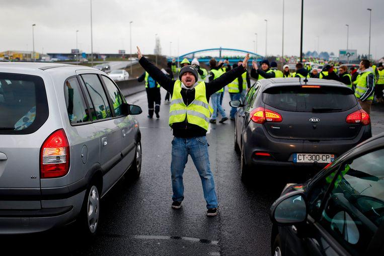 Aanhangers van de 'gele hesjes'-beweging hebben deze nacht verschillende blokkades opgeworpen in de provincies Luik en Henegouwen. Archieffoto