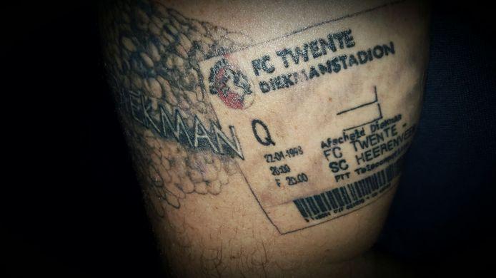 Het kaartje voor de laatste wedstrijd in Het Diekman als tatoeage.