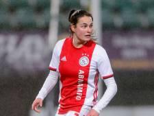 Caitlin Dijkstra langer bij Ajax: contractverlenging voor verdediger uit Breda