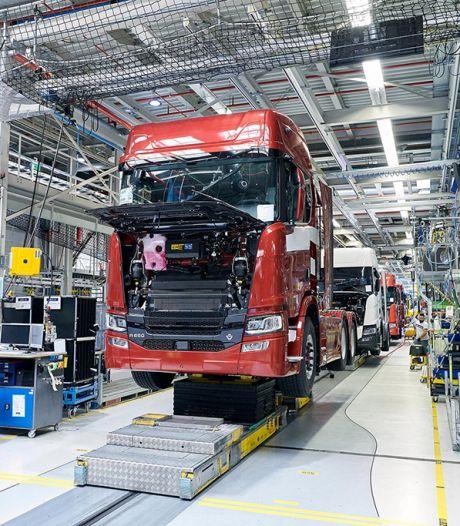 Stakingsactie door FNV in de metaalsector: bij Scania in Zwolle werken de werknemers voorlopig niet meer over