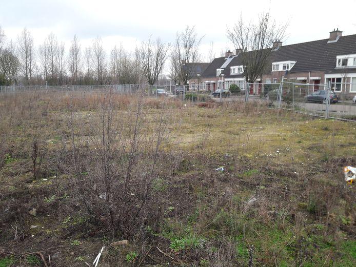 Op dit terrein aan de Vogelkers in Best worden tien chalets gebouwd.