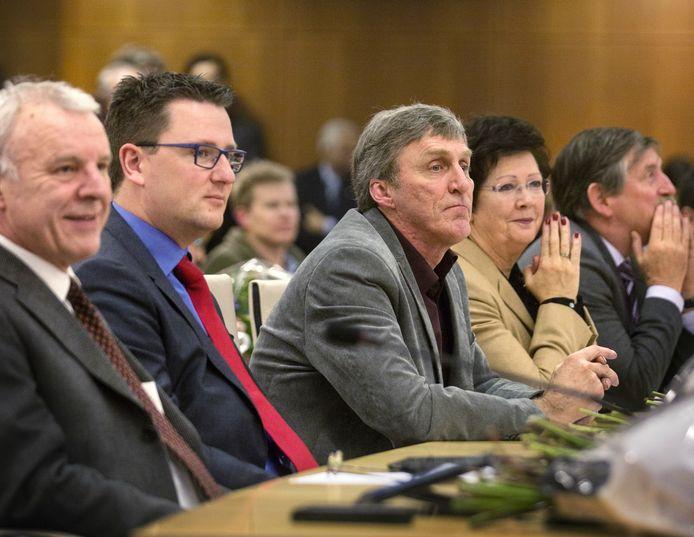 Rosmalens belang tijdens de beëdiging van de nieuwe raad in Den Bosch. Sjef van Creij zit in het midden.