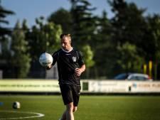 Den Dungen gaat door met trainer Van Emmerik (31)