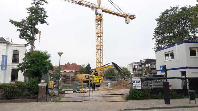 Op de locatie van het voormalige Sportfondsenbad/CKE aan de Stratumsedijk in Eindhoven worden appartementen gebouwd.