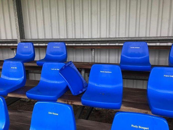 Bij SSV'65 moeten stoelen op de tribune het soms ontgelden.
