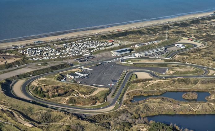 Een luchtopname van Circuit Zandvoort. Het circuit hoeft maar enkele kleine ingrepen uit te voeren om het weer geschikt te maken voor een grand prix in de Formule 1 in 2020