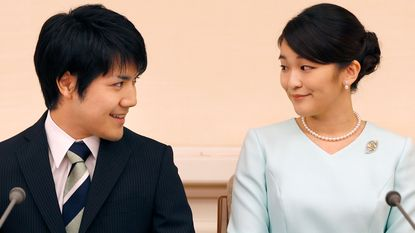 Japanse prinses doet troonsafstand om te trouwen met de liefde van haar leven