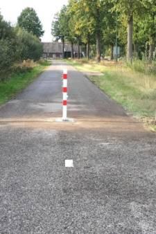 Nuenen treft maatregelen tegen autoverkeer op fietspad Broekdijk