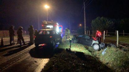 Zwaar ongeval met vier wagens en vrachtwagen in Ruddervoorde: N50 in beide richtingen afgesloten