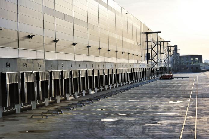 Het distributiecentrum van winkelketen Primark op Borchwerf.