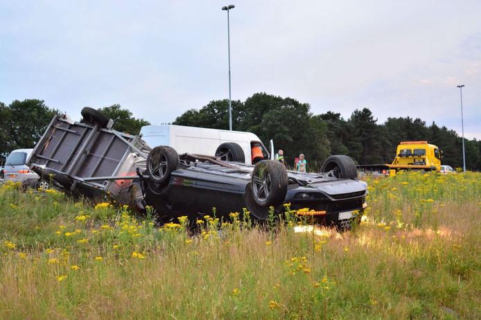 De auto sloeg over de op bij een botsing op de A58 bij Tilburg.