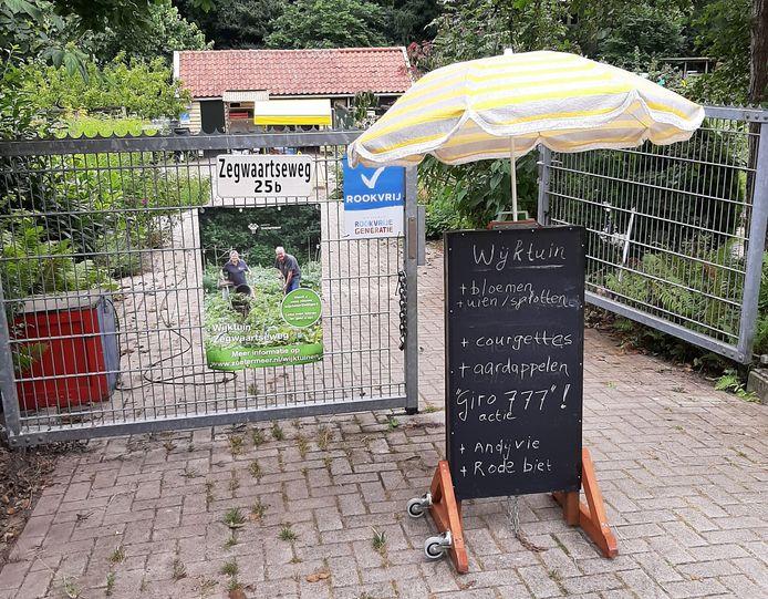 Wijktuin Zegwaartseweg in Zoetermeer zamelt geld in voor Limbug