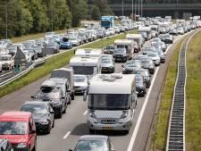 Vertraging op de A1 tussen Apeldoorn en Barneveld door ongeluk met drie auto's