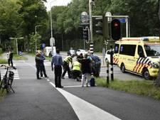 Fietser zwaargewond bij botsing met auto in Doorwerth
