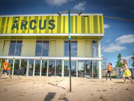 Lekker buiten sporten op nieuw beachvolleybalveld bij Arcus Wijchen: 'Geeft mensen mogelijkheid om toch te bewegen'