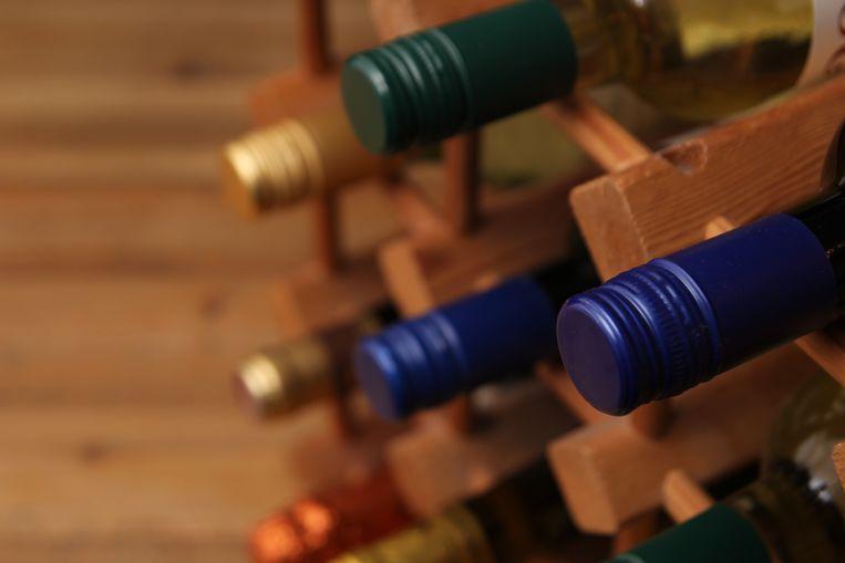 Kurk, plastic kurk of schroefdop? We gingen na wat dit betekent voor de wijn. Beeld Shutterstock