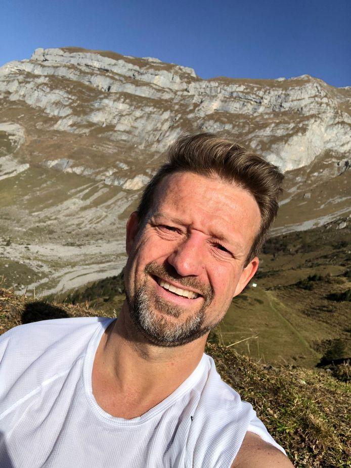 Patrick Thoma in de Zwitserse Alpen.