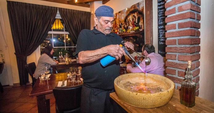 Carmine Esposito heeft zijn oude stiel weer opgepakt in Nootdorp, na een aantal jaren 'verlof' in Thailand.