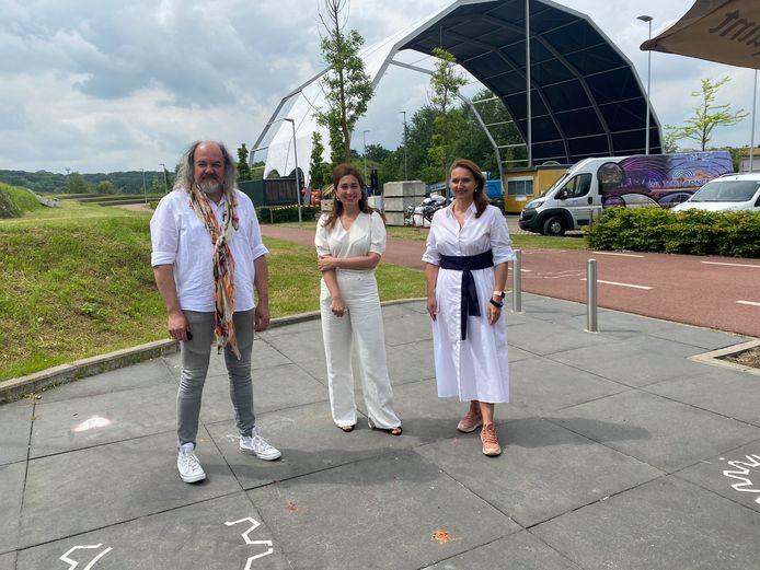 Bedenker Ives Mergaerts, Vlaams minister van Toerisme Zuhal Demir (N-VA) en burgemeester Gwendolyn Rutten (Open Vld).