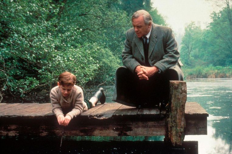 Joseph Mazzello en Anthony Hopkins in Shadowlands van Richard Attenborough. Beeld