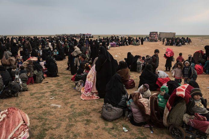 De laatste weken vluchtten duizenden vrouwen en kinderen uit het laatste bolwerk van IS in Syrië, Baghouz.