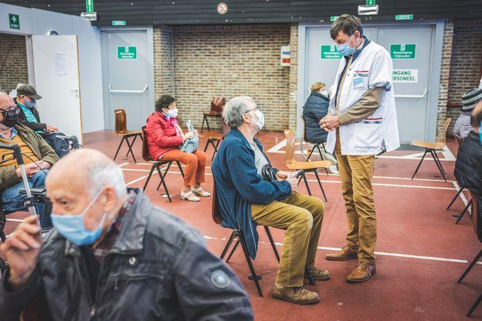 Het vaccinatiecentrum van Deinze in de Brielpoort.