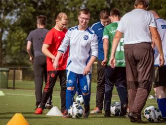 Trainer gezocht! Uniek voetbalteam uit Zwolle gaat bijna ten onder aan eigen succes