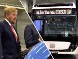Koning kijkt zijn ogen uit bij Nederlandse maker elektrische bussen