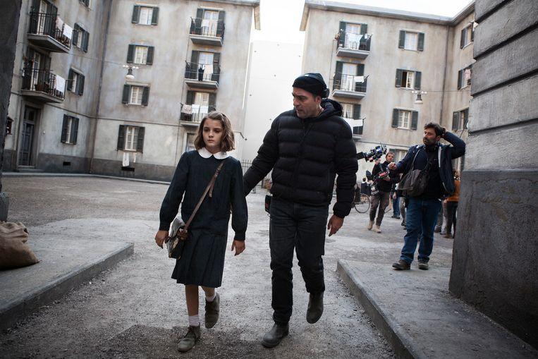 Elisa Del Genio en regisseur Saverio Costanzo. Beeld Eduardo Castaldo