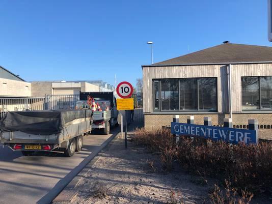 De gemeentewerf van de nieuwe gemeente Maashorst blijft in Uden. Er moet nog wel voor 1,8 miljoen euro verbouwd worden.