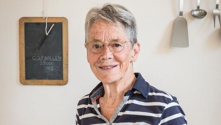 Op het leitje aan de wand in de keuken houdt Guus Klein haar persoonlijke score bij Beeld Dingena Mol