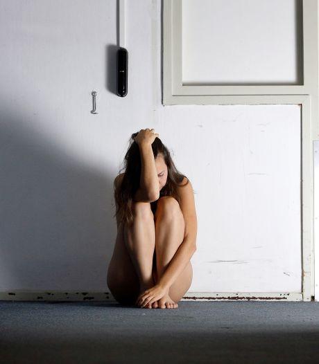Meisje van 15 had seks met volwassen mannen voor 150 euro: 'Ik wilde mijn oma helpen'
